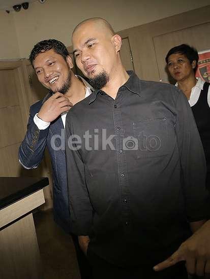 Kasus Ahmad Dhani vs Farhat Abbas Berlanjut