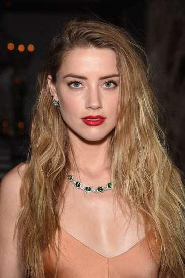 Amber Heard: No Bra, No Problem!