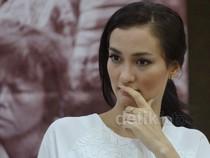 Atiqah Hasiolan Kritisi Vonis Nenek Asyani