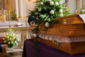 Tiongkok Ingin Akhiri Kebiasaan Sewa Penari Erotis di Pemakaman
