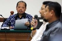 Saksi Mengaku Ada yang Pesan Mobil Alphard untuk Sutan Bhatoegana