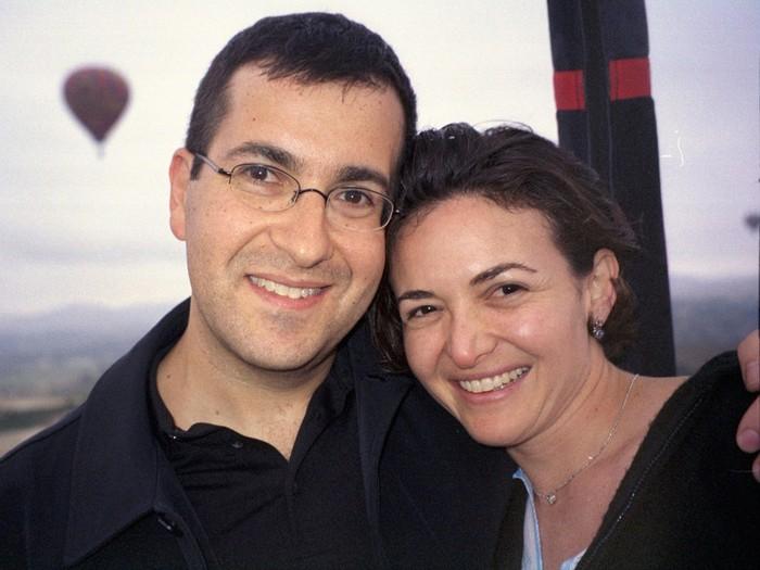Perjuangan Bos Facebook Bangkit Kembali Setelah Ditinggal Suami