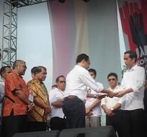 Hadiri Jambore Relawan, Jokowi Dapat 5 Maklumat