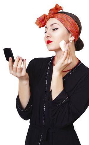 Waspada Make-up Palsu Terbuat Dari Kotoran Tikus Hingga Urin Manusia