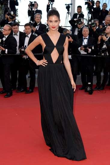 Anggun dan Seksi, Parade Artis di Festival Film Cannes Hari Ke-6