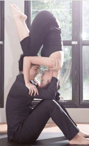 Chelsea Olivia dan Glenn Alinskie Ketagihan Gerakan Menantang Acroyoga
