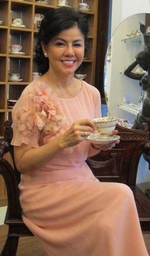 Desiree Sitompoel, Pelukis yang Jatuh Cinta pada Cangkir Teh