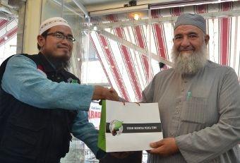 Forum Indonesia Peduli Syam Serahkan Donasi untuk Sekolah di Suriah