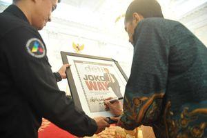 Musik Rock, Komik dan Meme di Media Sosial Bagi Jokowi