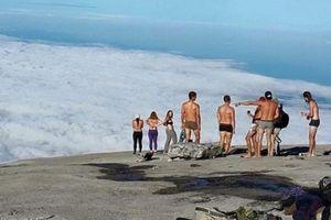Malaysia Tangkap Turis yang Bugil di Gunung Kinabalu Sebelum Gempa