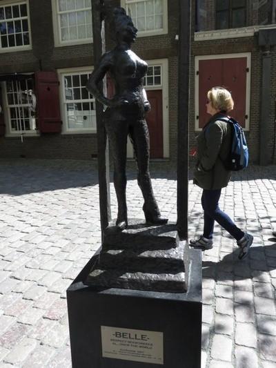 Kisah Patung PSK di Red Light District Amsterdam