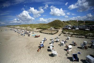 4 Pantai Telanjang Paling Terkenal di Dunia