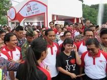 Saat Jokowi Tetap Jadi Serbuan Selfie di Senayan