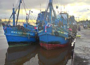Nakhoda 5 Kapal Sino Pelaku Illegal Fishing Dituntut Rp 1 Miliar