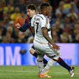 Ingat Momen Dijatuhkan Messi, Boateng Cuma Bisa Tertawa