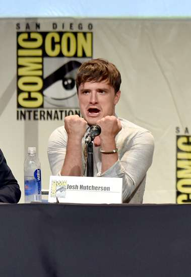 Keakraban Jennifer Lawrence, Liam Hemsworth dan Josh Hutcherson