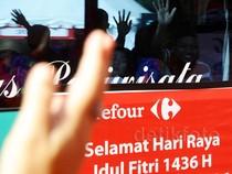 Ribuan Pelanggan Carrefour Mudik Gratis