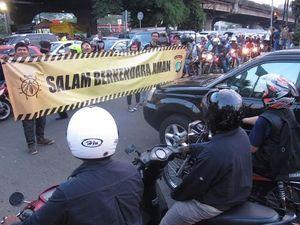 Kampanye Keselamatan Berkendara ala Kutu Vespa