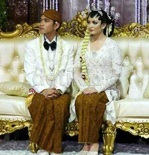 Menantu Jokowi Lewati Ahok di Internet