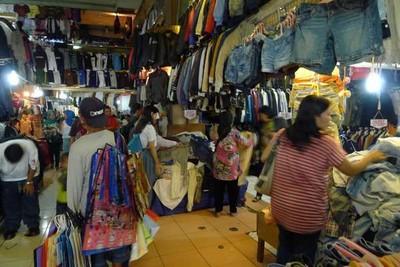 Tempat Belanja di Jakarta, dari Batu Akik Sampai Baju Murah