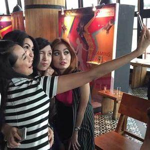 Host Cantik di CliponYu Sukses Pikat 3,5 Juta Netizen