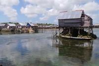 Wisata desa Suku Bajo bisa dilakukan di Desa Mola Bahari, Mola Utara, Mola Samaturu, Mola Selatan, dan Mola Nelayan Bhakti di Pulau Wangi-Wangi, Wakatobi. Pemandangannya cantik (Bahtiar/detikTravel)