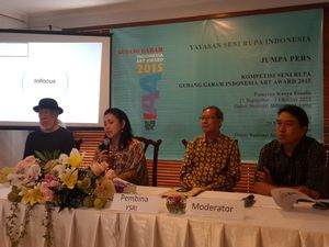 46 Seniman Lolos Seleksi Kompetisi Indonesia Art Award 2015