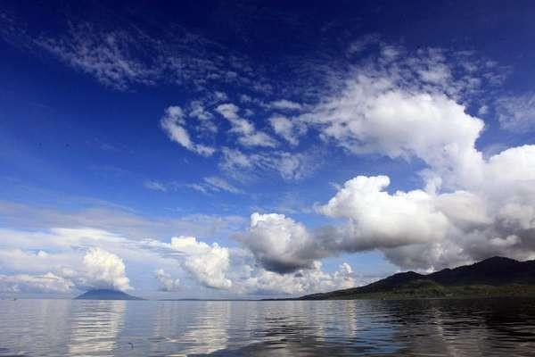Panorama laut di Manado (Budi Sugiharto/detikTravel)