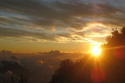 Naik Gunung Klabat di Sulawesi Utara, Sunrisenya Dahsyat!