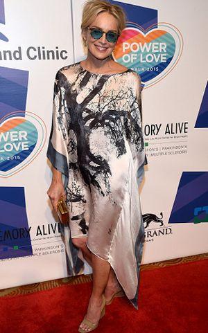 Berusia 57 Tahun, Sharon Stone Tetap Seksi Saat Pose Tanpa Busana di Majalah
