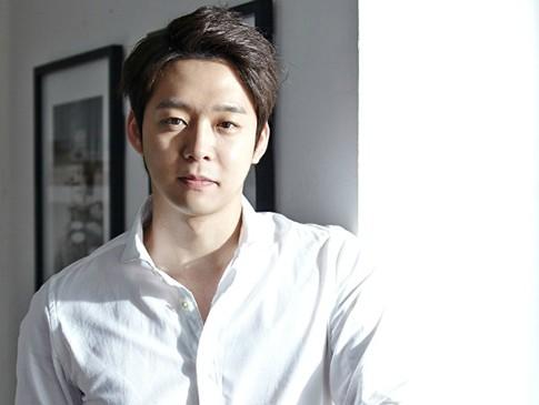 Sebelum Wajib Militer, Yoochun Minum-minum Bareng Jaejoong dan Junsu