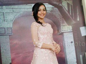 Pretty in Pink! Tya Arifin Makin Cantik Jelang Nikah