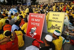 Melemahnya Mata Uang Ringgit Jadi Poster Pendemo di Malaysia