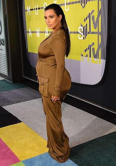 Gaya Hamil Kim Kardashian di MTV VMA 2015, Love It or Leave It?