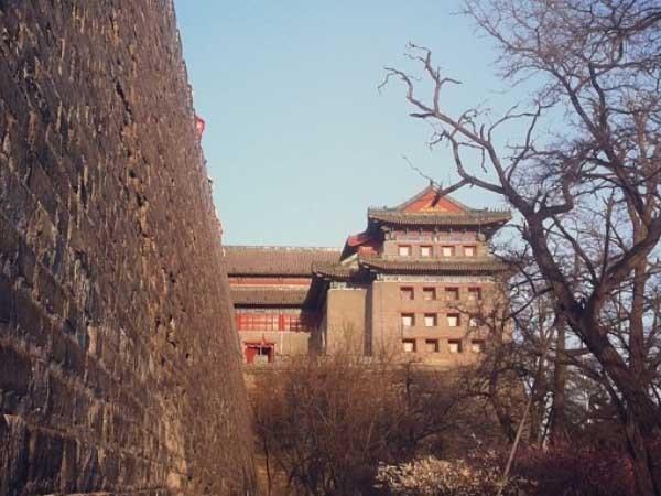The Fox Tower atau Dongbianmen di Beijing, China (zhangzheyi/Instagram)