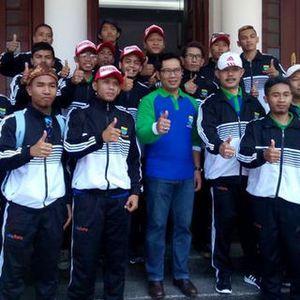 Walikota Bandung Lepas Keberangkatan Tim Homeless World Cup Indonesia