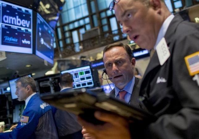 Saham Apple Jeblok, Wall Street Turun 1% Lebih
