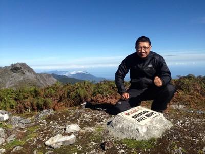 Pak Dosen Inspiratif, Sang Pendaki Seven Summit Indonesia
