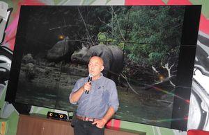 30 Tahun Berburu Badak di Hutan Indonesia
