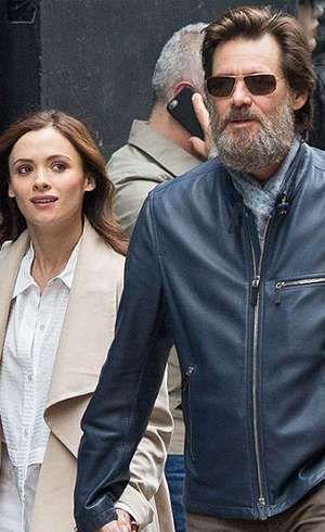 Jim Carrey akan Hadiri Pemakaman Mantan Kekasih yang Tewas Bunuh Diri