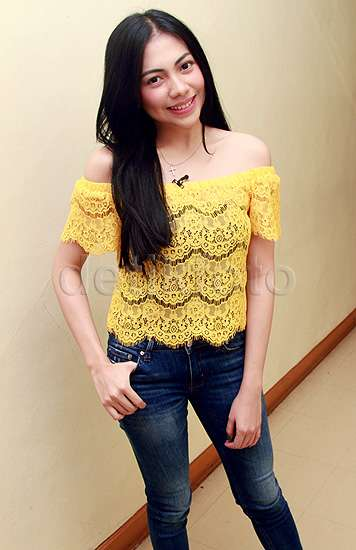 Pretty in Yellow Kezia Karamoy