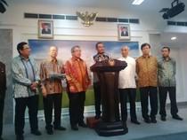 Datang ke Istana, Pengusaha Otomotif Curhat ke Jokowi