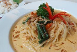 Enaknya Sarapan Lontong Sayur Medan dan Nasi Gemuk Khas Jambi