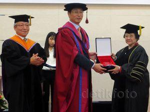 Megawati Terima Gelar Doctor Honoris Causa di Korsel