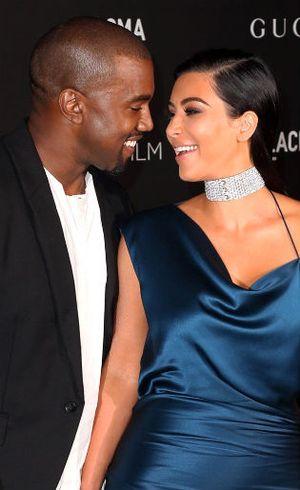7 Hal Romantis yang Pernah Dilakukan Kanye West Demi Kim Kardashian