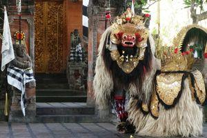 5 Tips Menonton Tari Barong di Bali