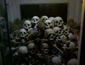Kisah Gua Pembunuhan di Kamboja