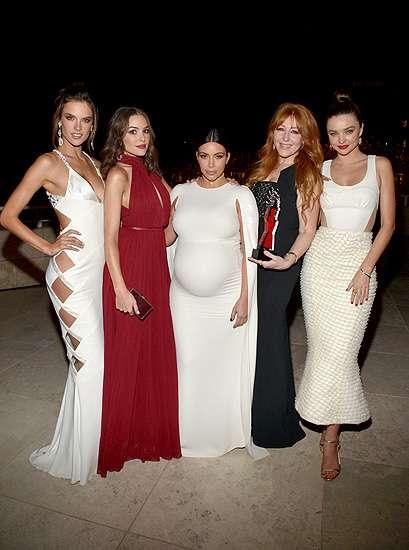 Gaya Hamil 7 Bulan Kim Kardashian