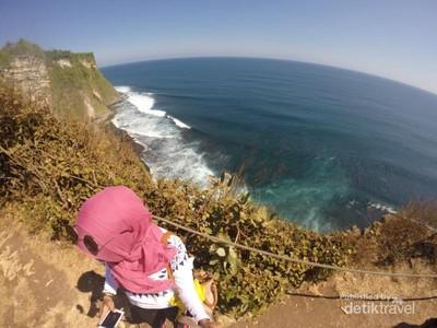Liburan ke Bali, Wajib ke Pura Uluwatu
