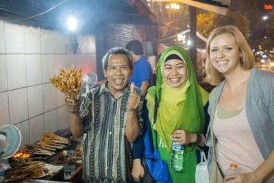 Mau Coba Kuliner Lezat Jakarta? Bisa Ikut Tur Unik Ini